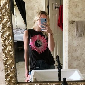 Chaser Tops - Yin Yang Flower Top